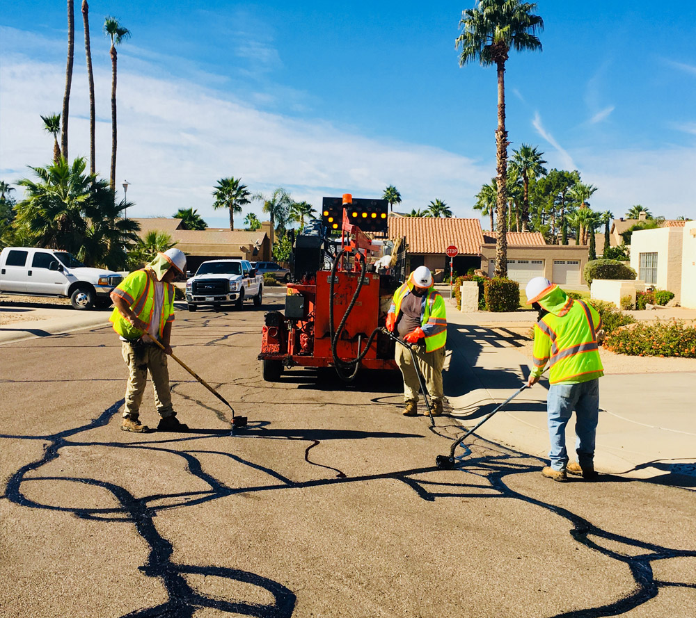 asphalt crack filler pour pot on wheels